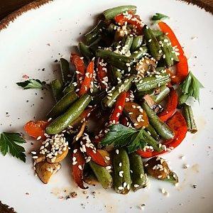 Стручковая фасоль с овощами, Албена