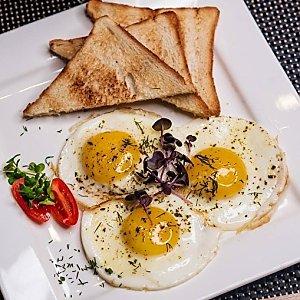 Глазунья из 3х яиц, Martin Cafe