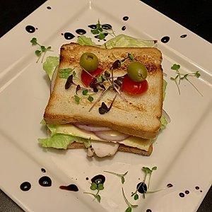 Сэндвич «Цезарь», Martin Cafe