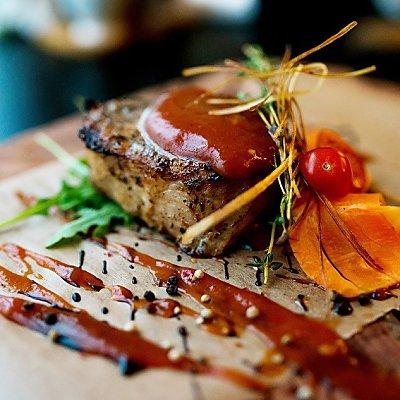 Заказать Стейк из свинины BBQ, Martin Cafe