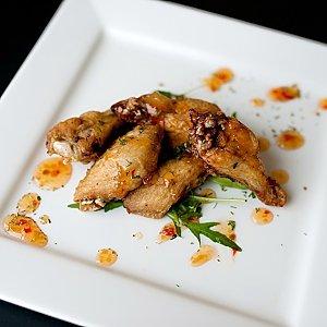 Куриные крылья-гриль в кисло-сладком соусе, Martin Cafe