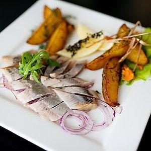 Филе сельди с картофелем и луком, Martin Cafe