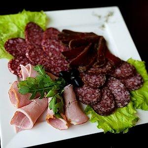 Ассорти мясное с бастурмой, Martin Cafe