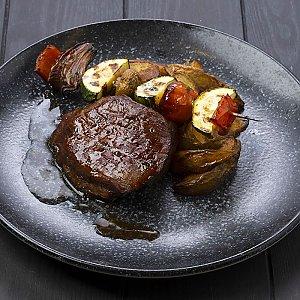 Говядина с картофельными крокетами и овощами на гриле, CAFE GARAGE - Гомель