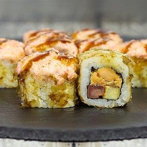 Ролл запеченный с жаренным лососем в соусе терияке, Япончик