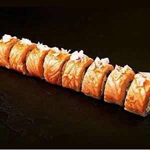 Урамаки Лосось с карамелью, Fusion Food