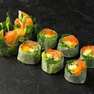 Спринг ролл с лососем, Fusion Food