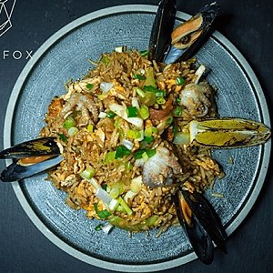 Рис с овощами с морепродуктами, Black Fox Bar