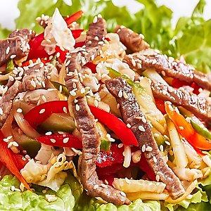 Салат гриль с говядиной, Black Fox Bar - Барановичи