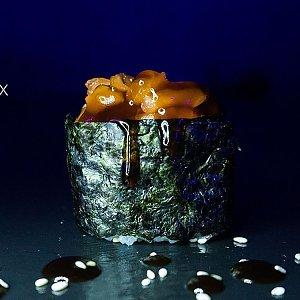 Гункан с копченным лососем, Black Fox Bar