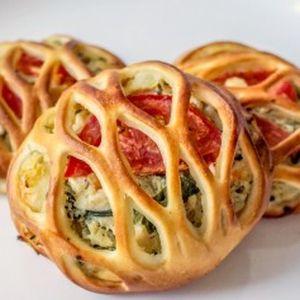 Мини-пирог с курицей, шпинатом и помидорами, Штрудель