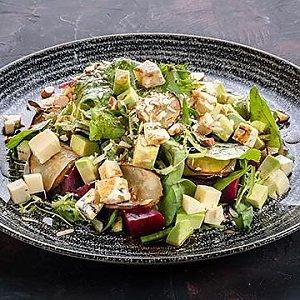 Салат овощной с грушей и сыром Дор Блю, CAFE GARAGE - Витебск