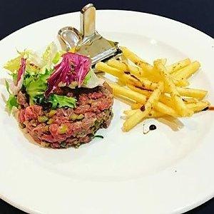 Тартар из говядины с картофелем фри, Папараць Кветка