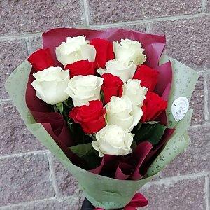Букет из 15 роз в оформлении, Lotus Flower