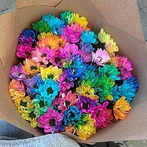 Букет из 51 радужной ромашки в кравте, Lotus Flower
