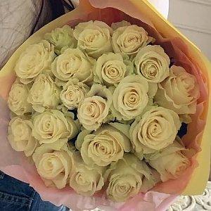 25 белых роз в оформлении, Lotus Flower