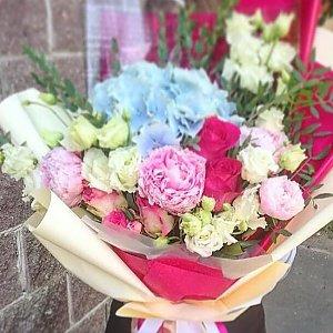 Букет из гортензии, эустомы, роз и пионов с зеленью, Lotus Flower