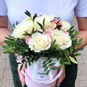 Композиция из роз и зелени, Lotus Flower