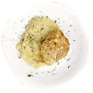 Куриный шницель в сыре с картофельным пюре, Карлион