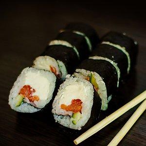 Ролл с копченым лососем, Империя Суши