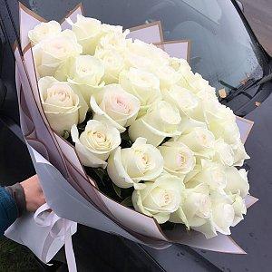 Букет 37 роз в дизайнерской упаковке, FRESH FLOWERS
