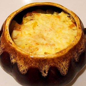 Картофельная бабка с курицей и сыром, Кафе Трактир