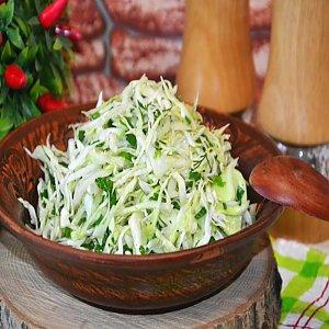 Салат из свежей капусты с маслом, Кафе Трактир
