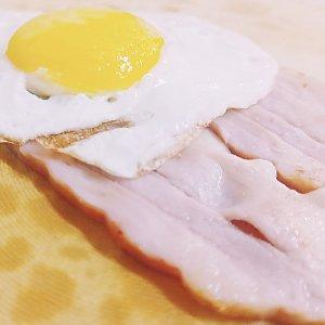 Блин с беконом и яйцом , THE BLINI