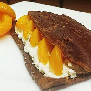 Блин шоколадный с персиком, THE BLINI