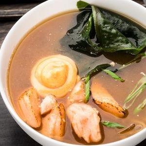 Суп с жареным лососем, SUSHI SUN