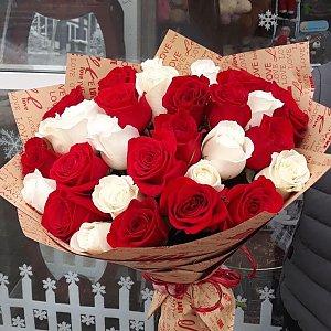 Букет из белых и красных роз, Лора