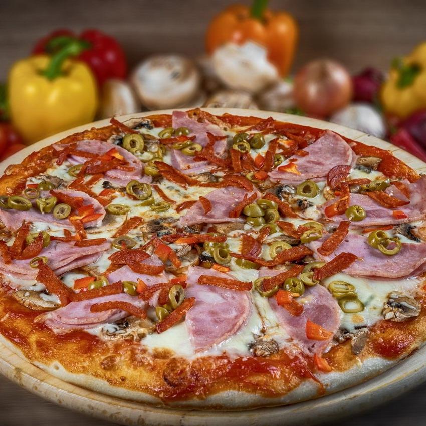 Купить Пицца американская Капричиоза (900г), Кафе Проспект